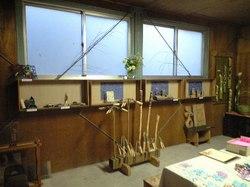 竹、木工細工、ステンドガラス
