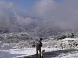 散歩途中の雪景色(三峰方面)
