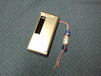 トンボ玉の携帯ストラップ