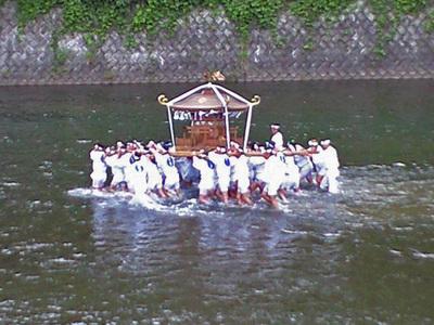 秩父川瀬祭りの様子
